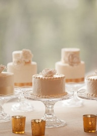 Mini wedding cakes can double as desserts/favors